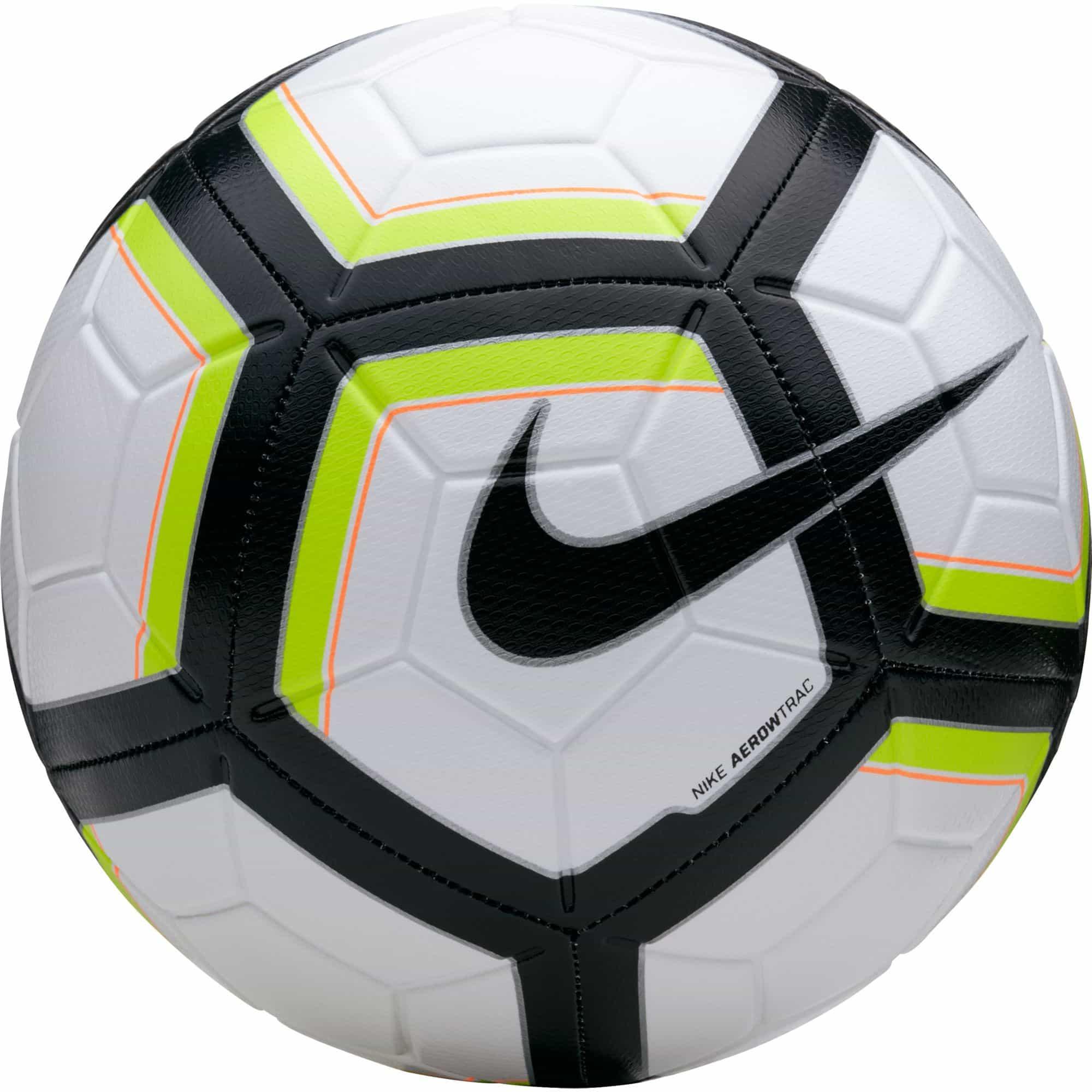 un ballon de foot
