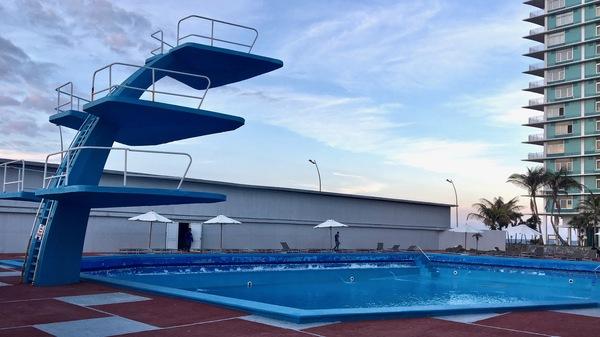 plongeoir piscine
