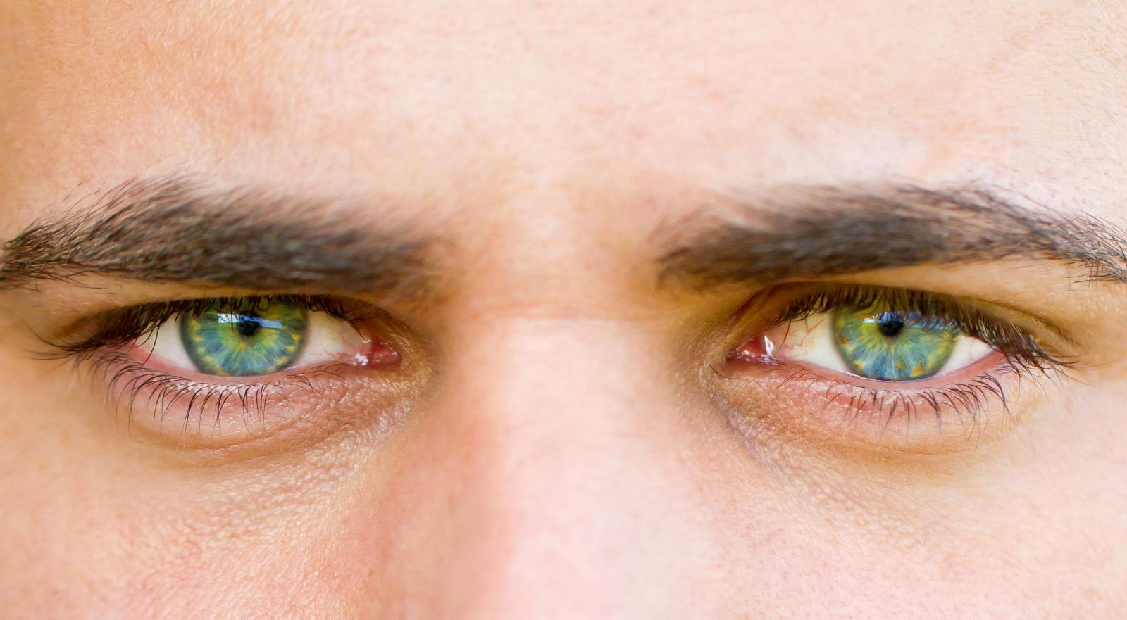 yeux homme